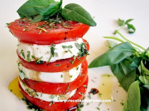 ensalada-queso-tomate-y-albahaca (2)