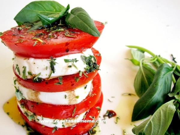 ensalada-queso-tomate-y-albahaca (3)