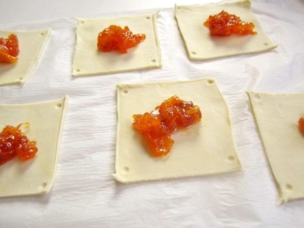 hojaldritos-con-dulce-de-nísperos (4)