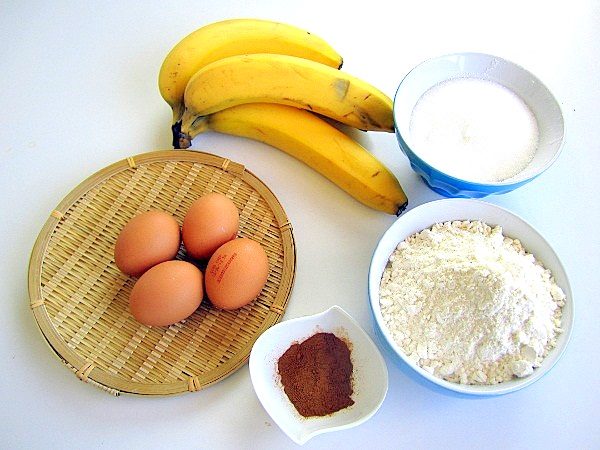 bizcocho-de-canela-con-bananas